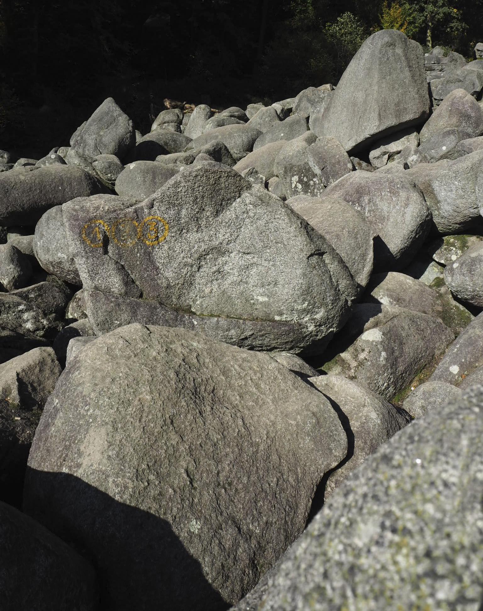 Felsenmeerin pyöreitä kiviä