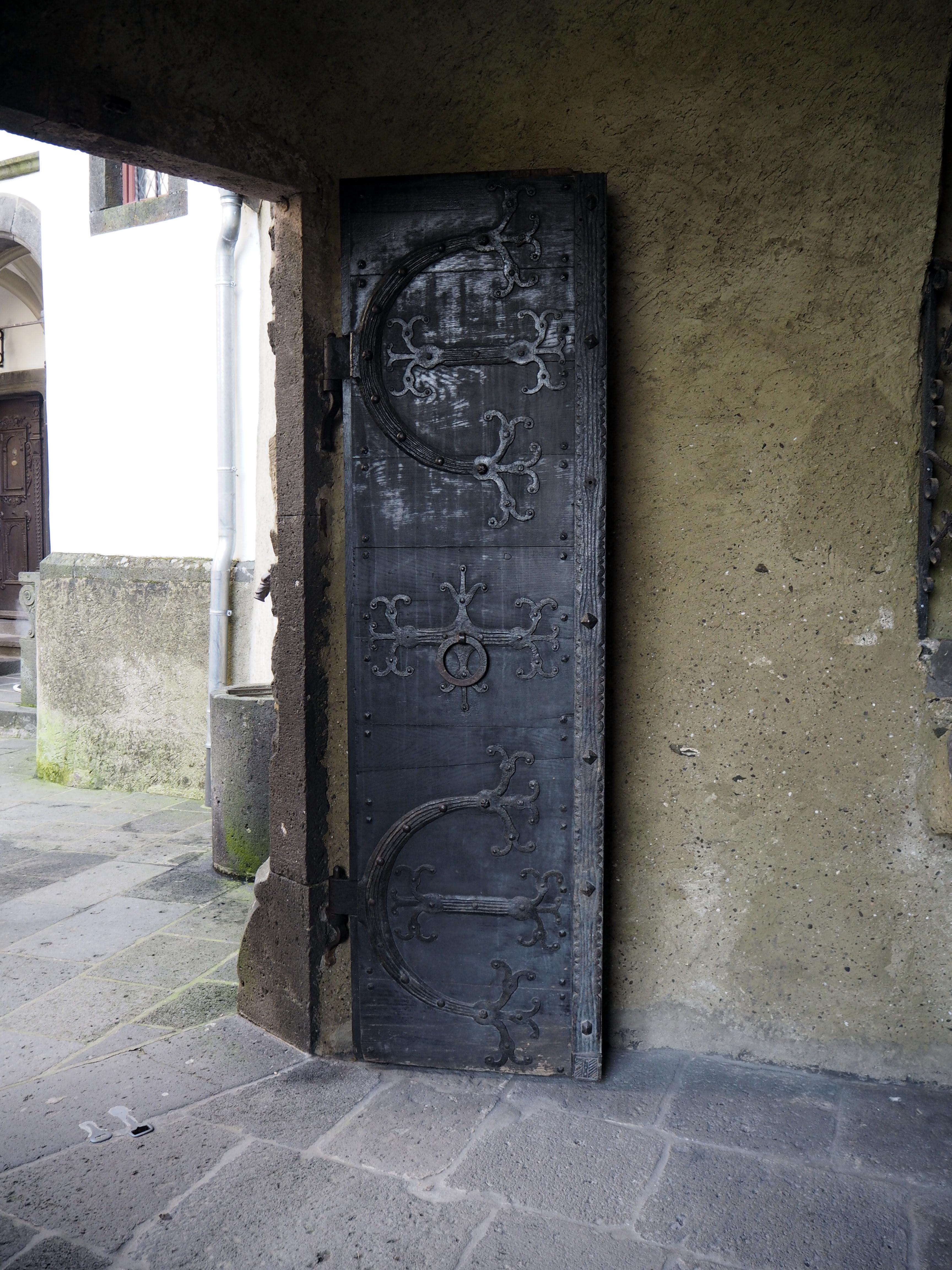 Burg Eltz - Hieno ovi!