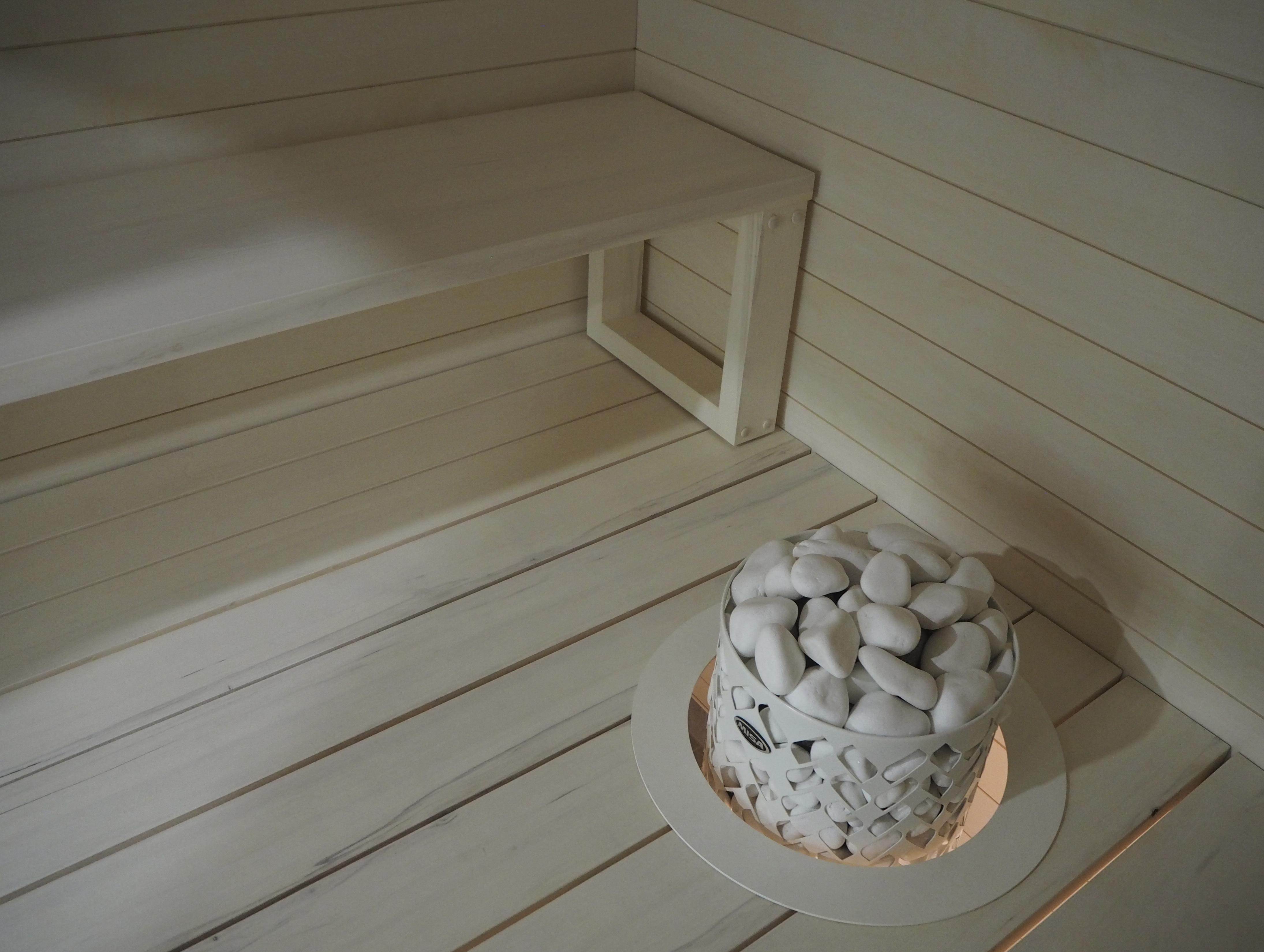 Tikkurilan valkoinen Saunasupi ja Siparilan saunapaneeli on yhdessä just täydelliset