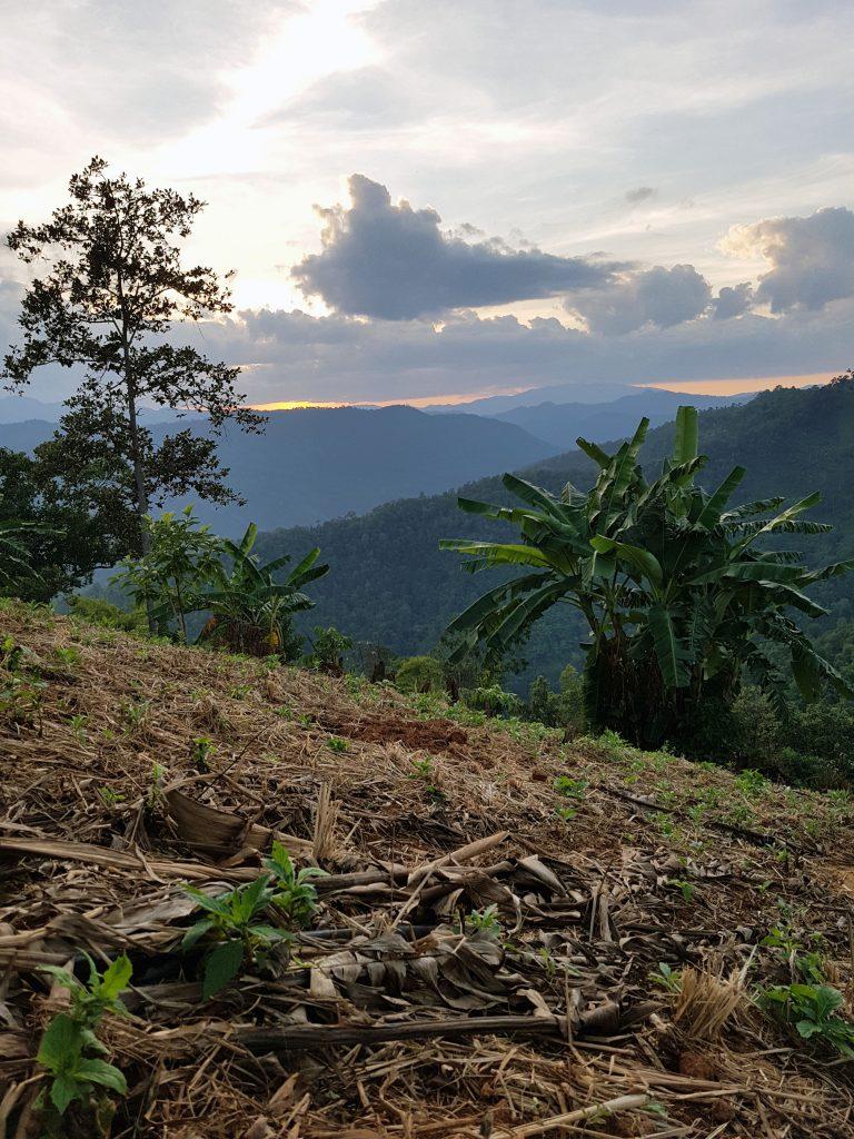 Lahu Villagen auringonlasku